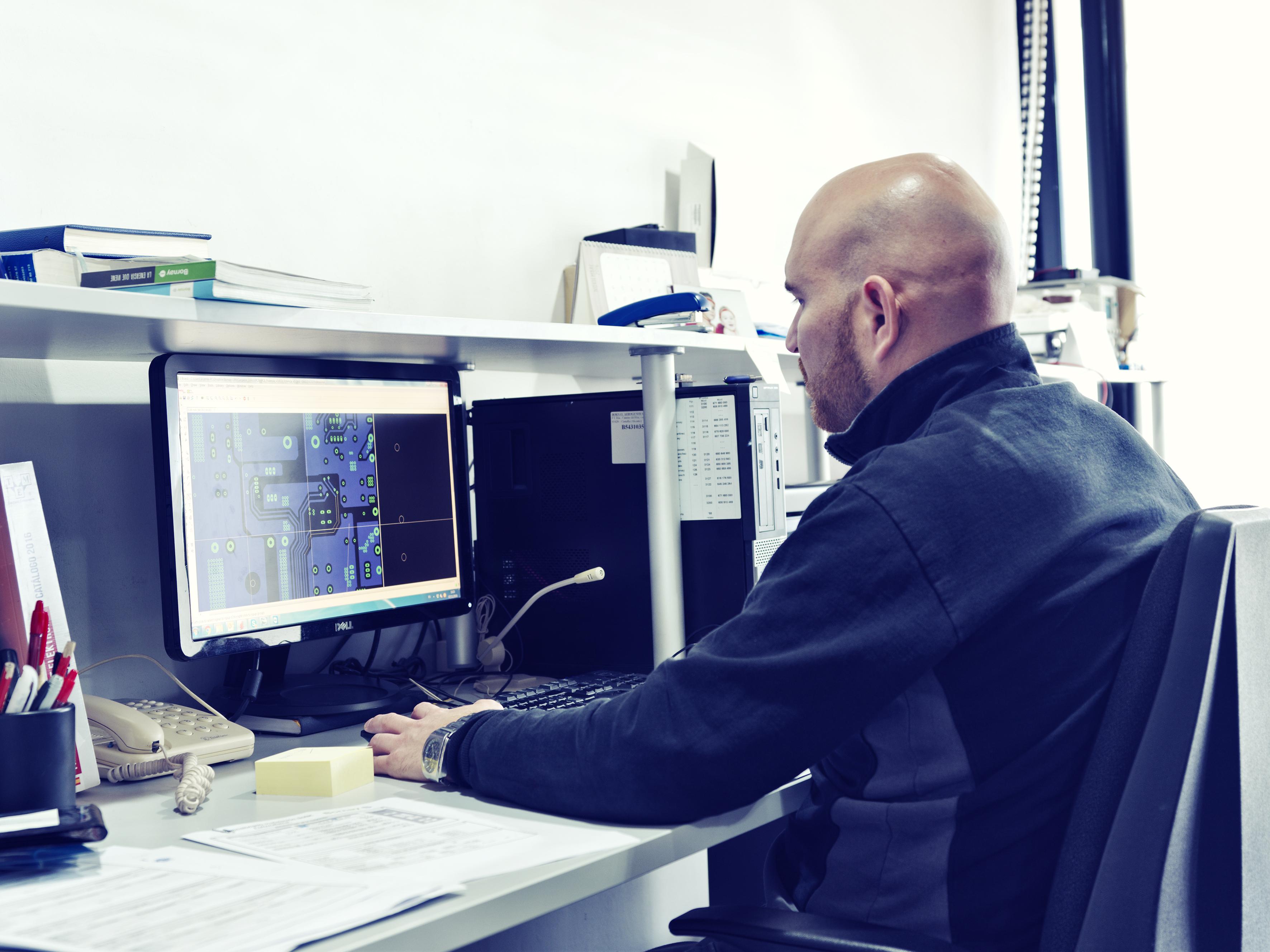 Bornay, Departamento Ingeniería Eléctirca