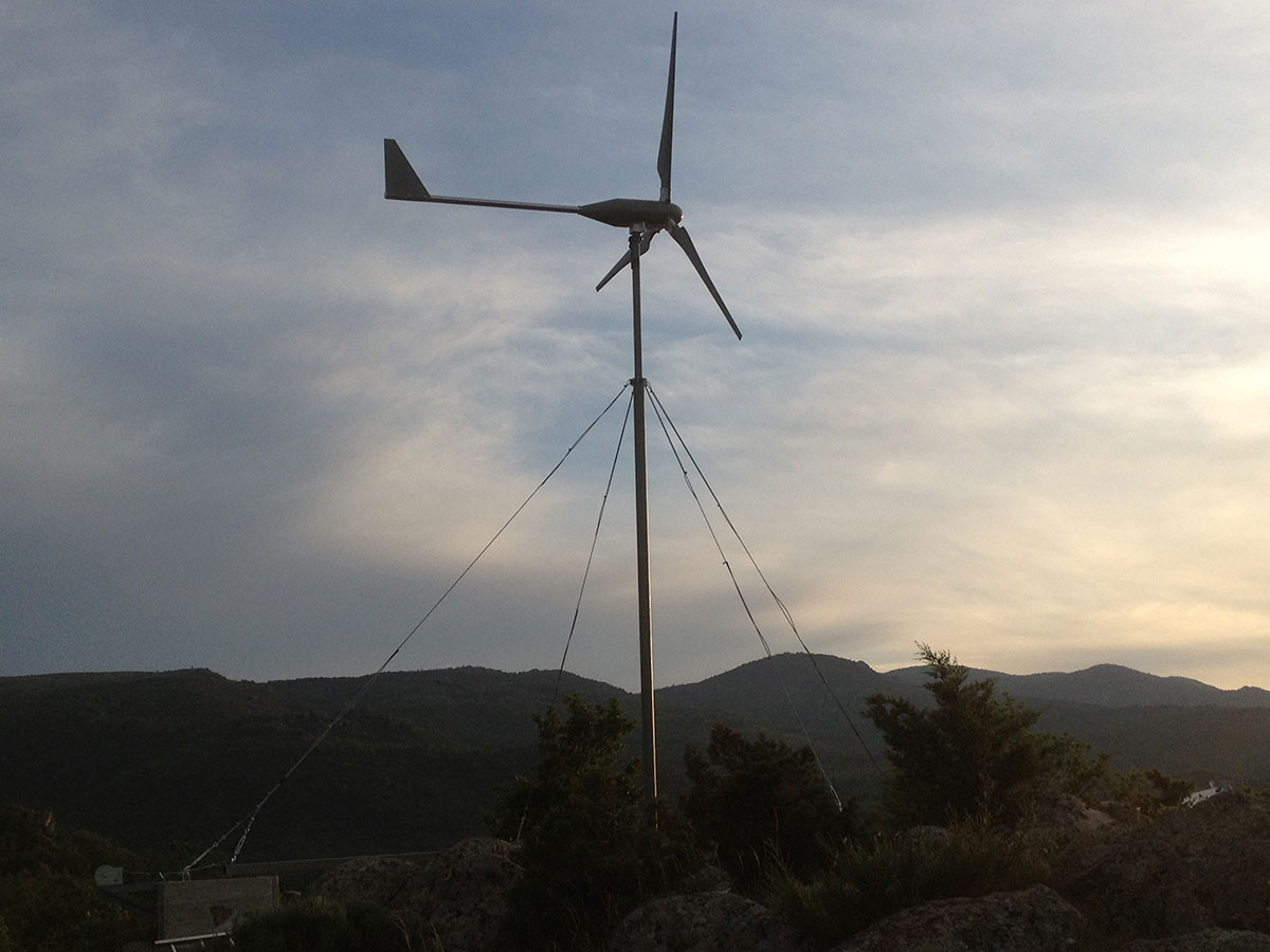 Small Wnd Turbine Bornay 6000 installed in France